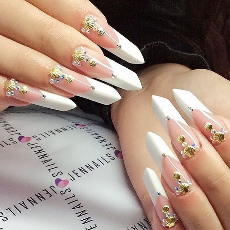 незвичайний дизайн нігтів фото
