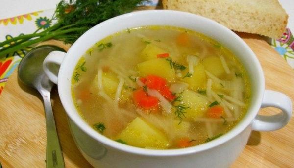Суп з вермішеллю