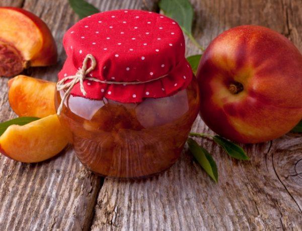 Варення з персиків перетерте через сито