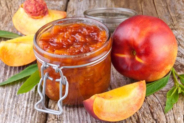 Варення з персиків з шкірками