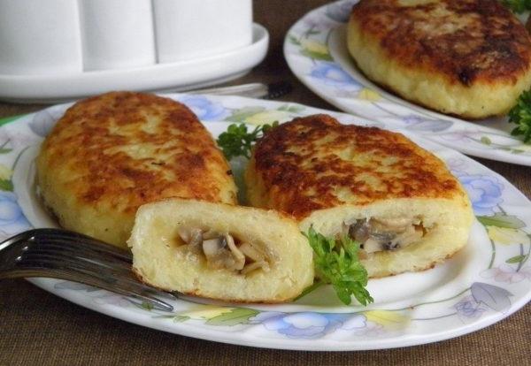 Картопляні зрази з грибами