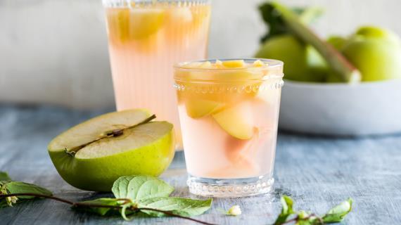 Як зварити смачний яблучний компот