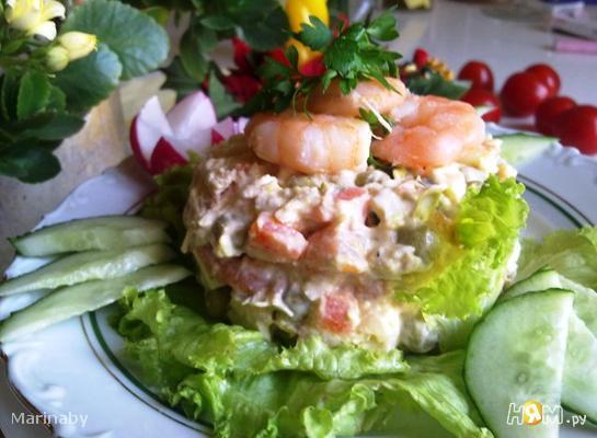 Салат з куркою і креветками