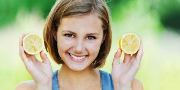 Освітлення волосся соком лимона
