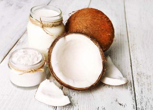 Масло кокоса широко використовується в косметології