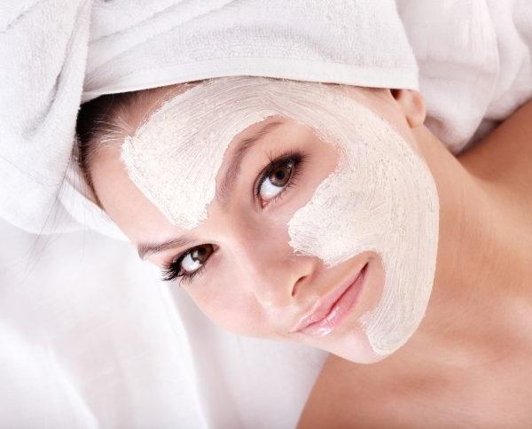 живильна маска для обличчя в домашніх умовах