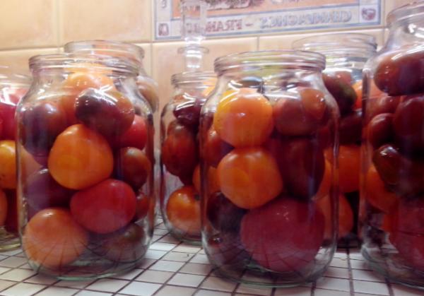 помідори у власному соку приготування