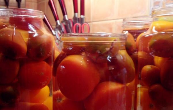 помідори у власному соці на зиму