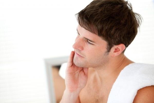 лущення шкіри на обличчі у чоловіків