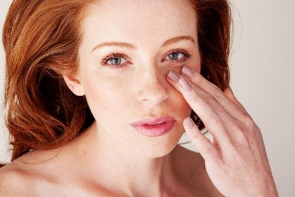 догляд за сухою шкірою обличчя після 40
