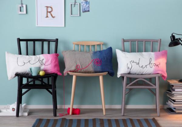 декоративні подушки з написами