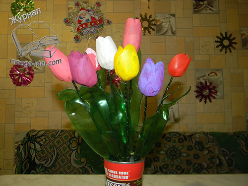 тюльпани з пластмасових пляшок
