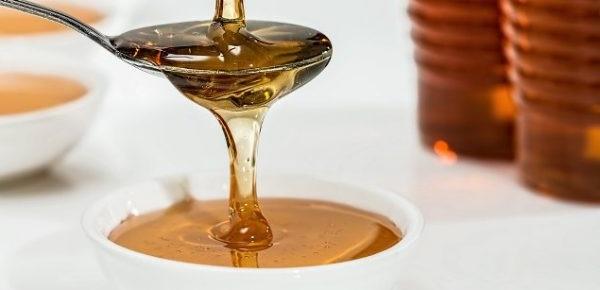 Освітлення волосся медом