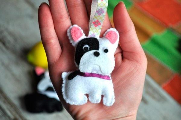 як робити новорічні іграшки з фетру
