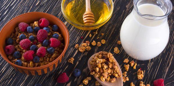 Як приготувати гранолу з фруктами