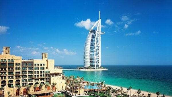 Відпустку в Дубаї