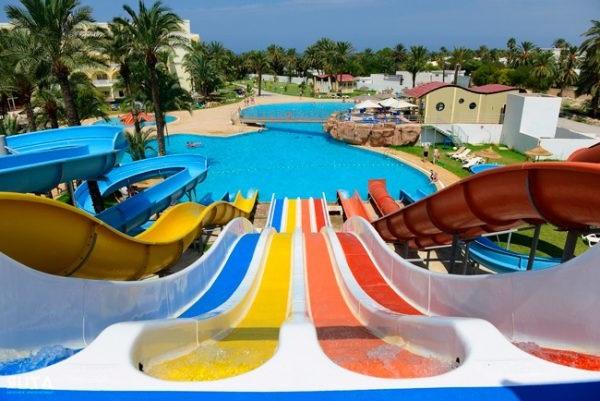 Готель Тунісу з аквапарком