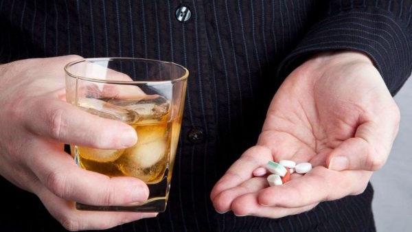 чи можна пити таблетки після алкоголю