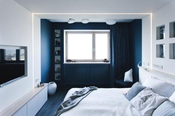 Спальня суміщена з балконом