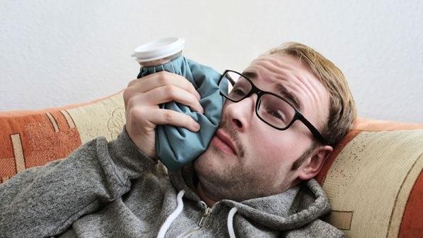 як зупинити зубну біль в домашніх умовах