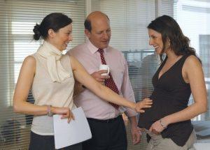Як сказати про вагітність на роботі