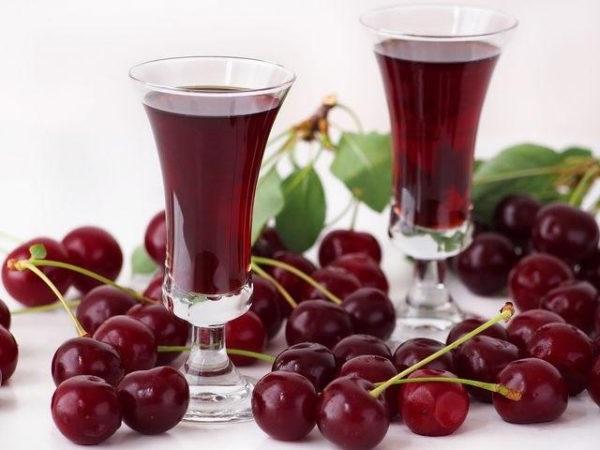 Смачне вино з вишень