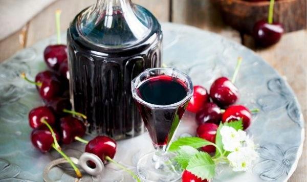 Вишневе вино за класичним рецептом