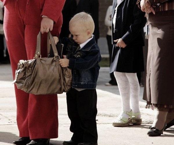 дитина краде гроші у батьків