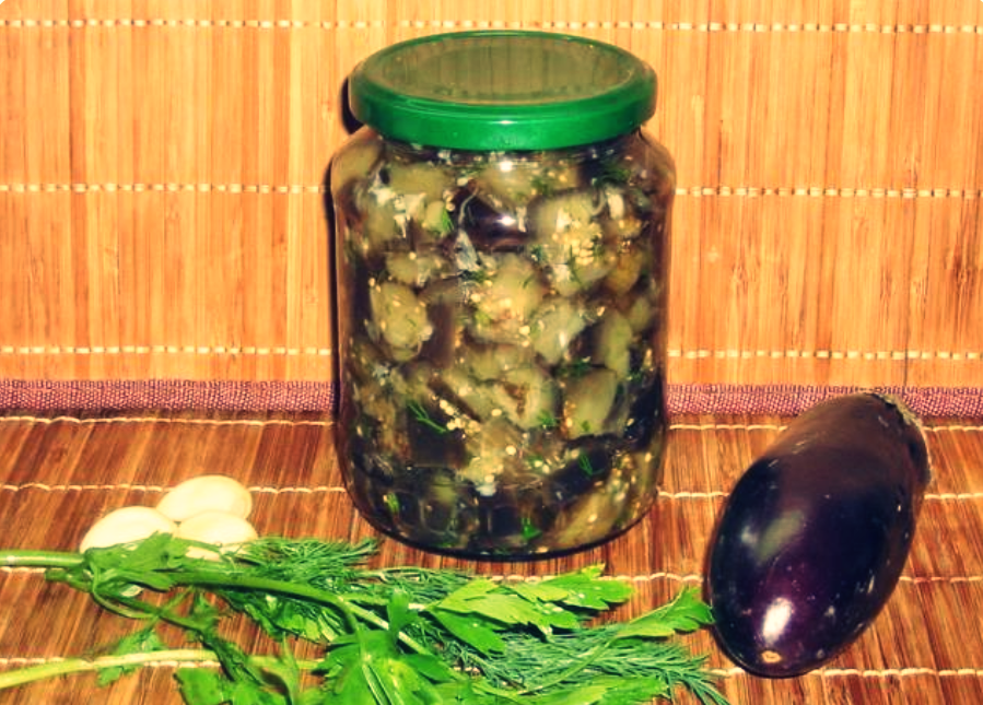 салати з баклажанів на зиму