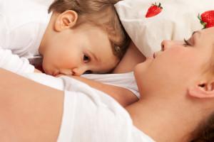 як відучити дитину від грудей
