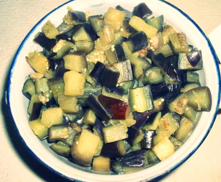 салат з баклажанів на зиму