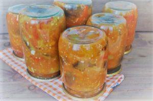 салат з баклажанів і помідорів на зиму