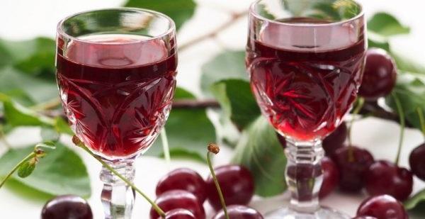 Як приготувати вино із замороженої вишні