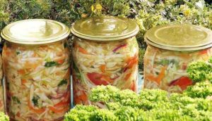 закрутки на зиму салат з капусти
