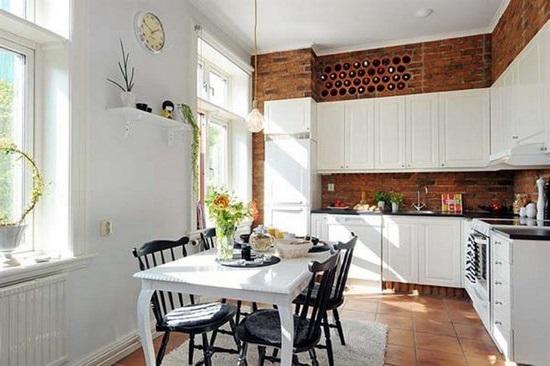 Вбудовані винні стільники в інтер'єрі кухні-їдальні