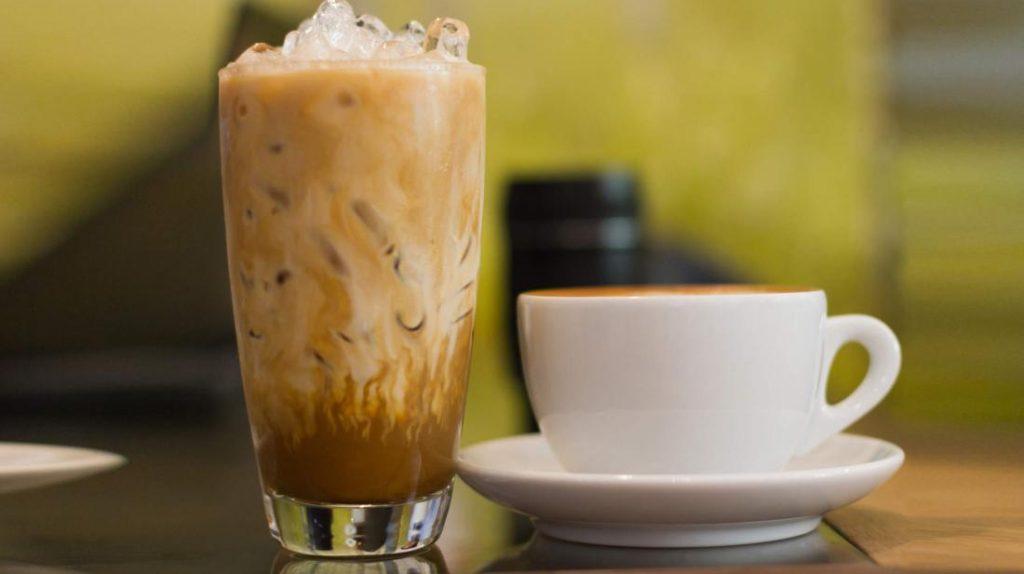 Гаряча або холодна яка кава корисніше