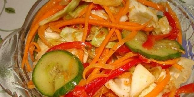 салати з ранньої капусти