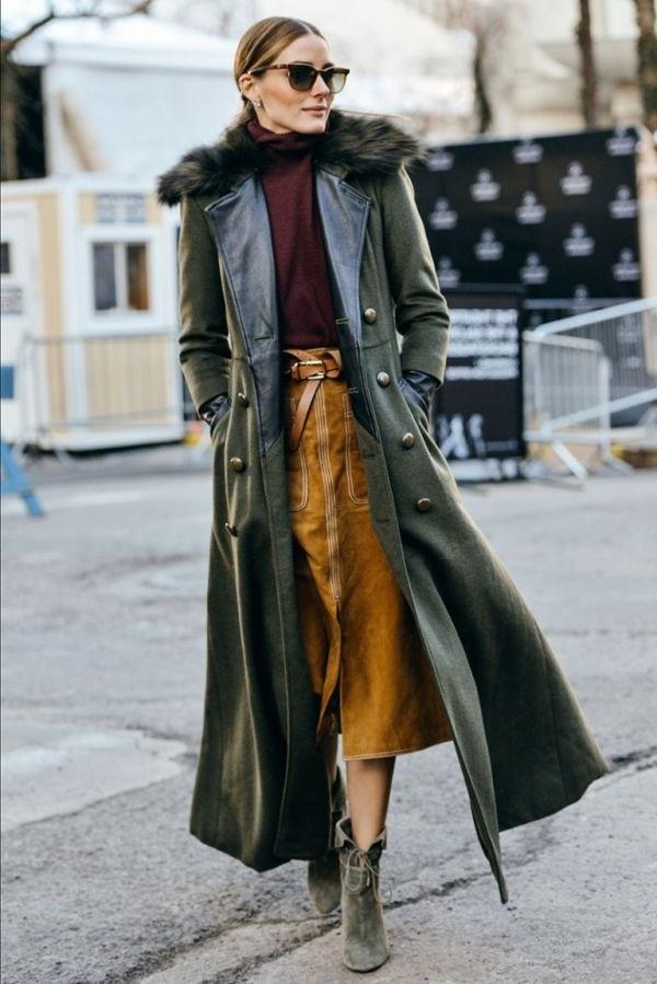 жіноче шкіряне пальто зі спідницею міді