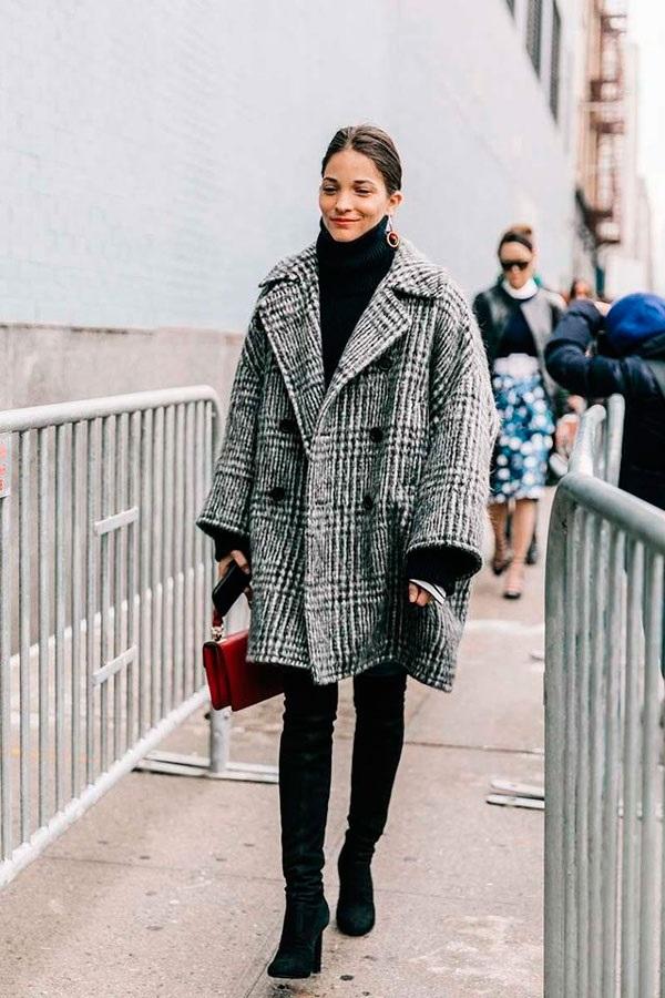 жіноче твідове пальто