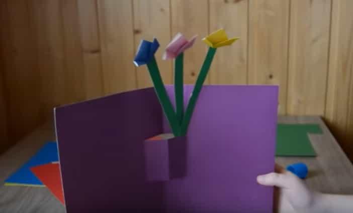 склеюємо квіти до картону