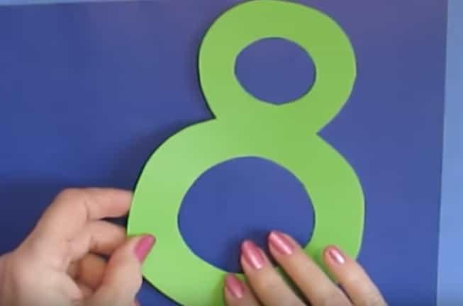 вирізаємо цифру 8