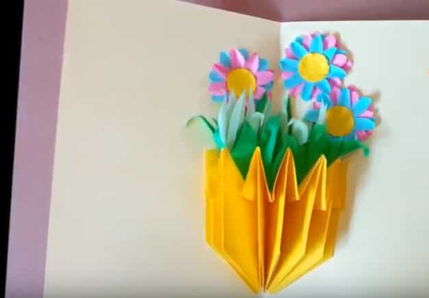 Листівка–ваза з квітами своїми руками