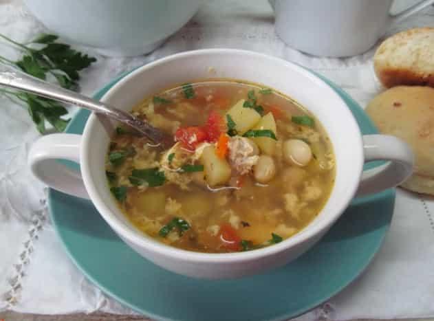 Картопляний суп з яйцем