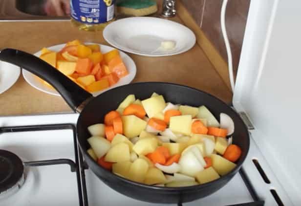 обсмажуємо на сковороді