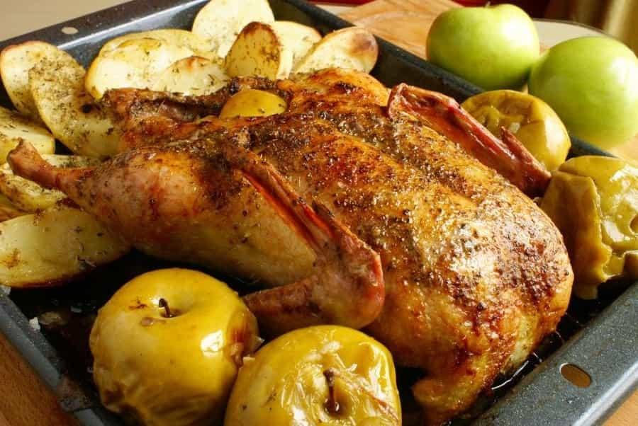 приготування запеченого гуся з яблуками