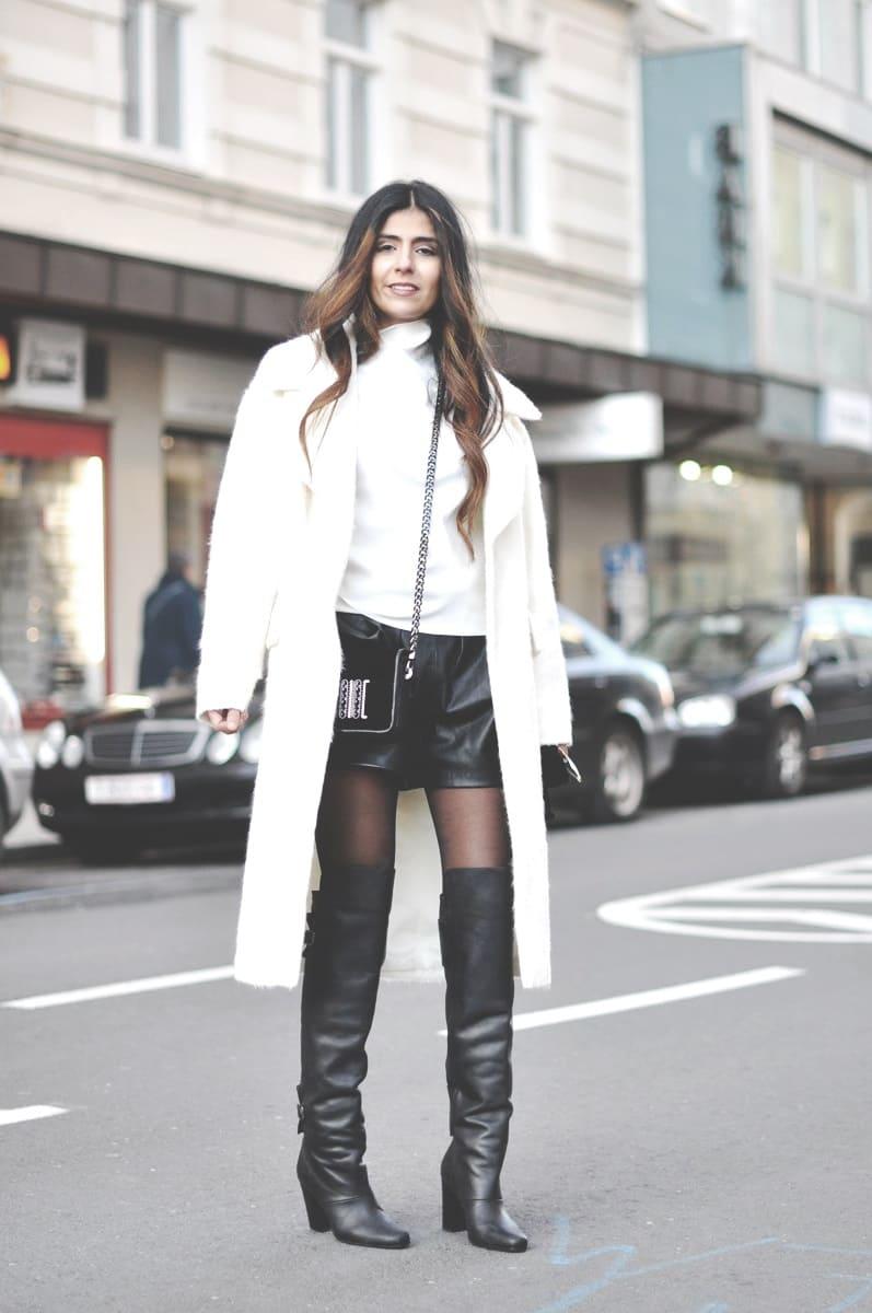 жіноче пальто і високі чоботи 2019
