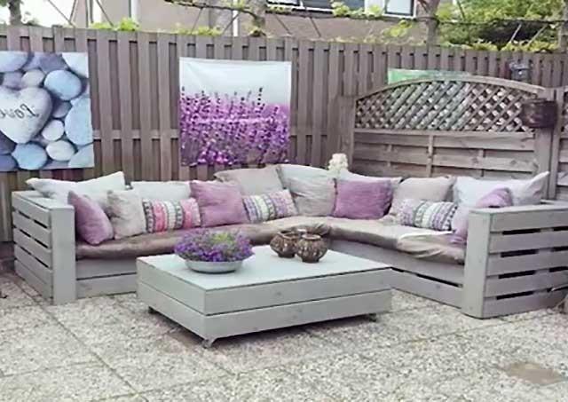 диван з піддонів фото