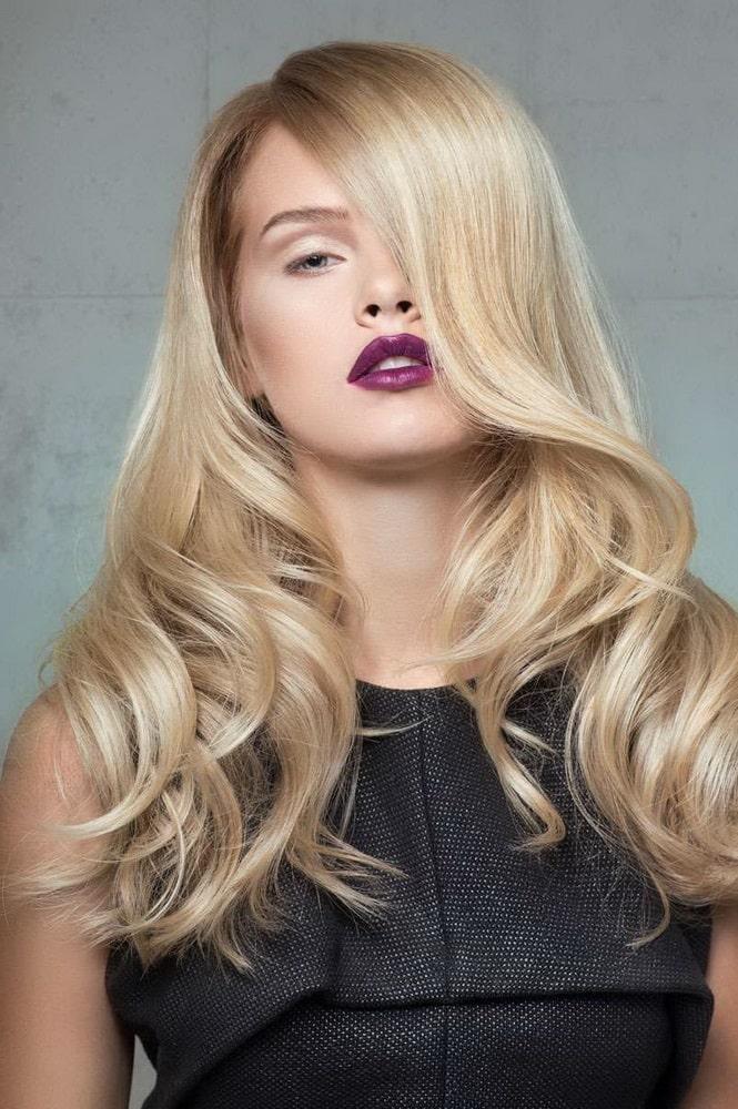 Кремовий блонд колір волосся