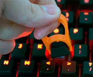 Очищаємо клавіатуру від бруду