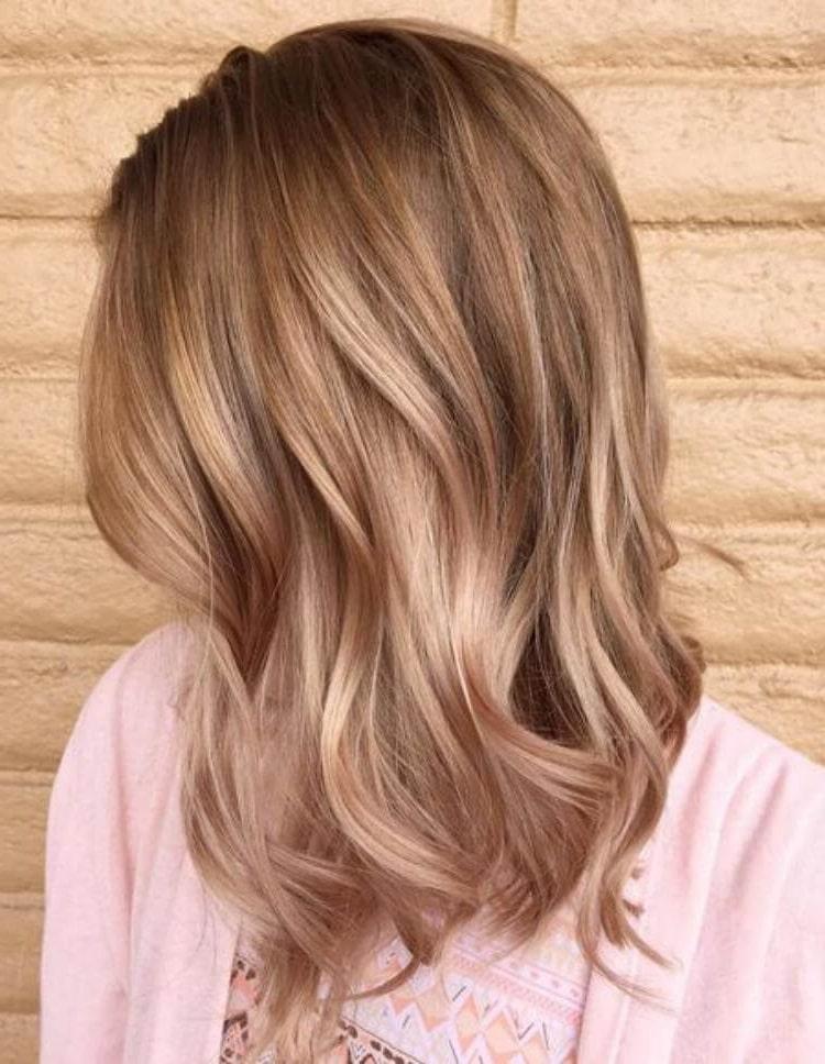 колір середнього волосся 2019 року